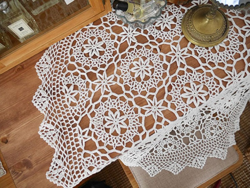 White Table Deco(Circle / square)