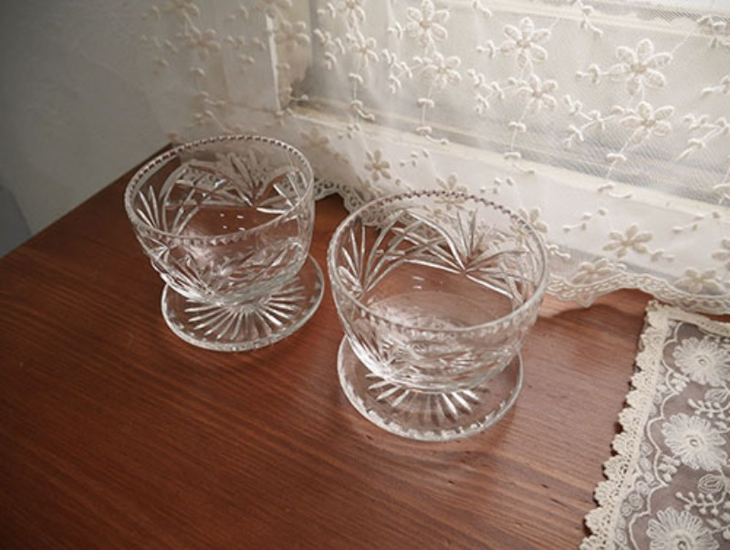 vintage glass cup(only 2)